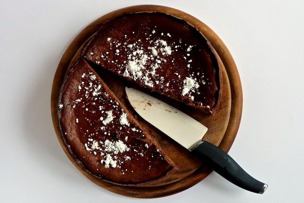 Čokoladno-skutni kolač