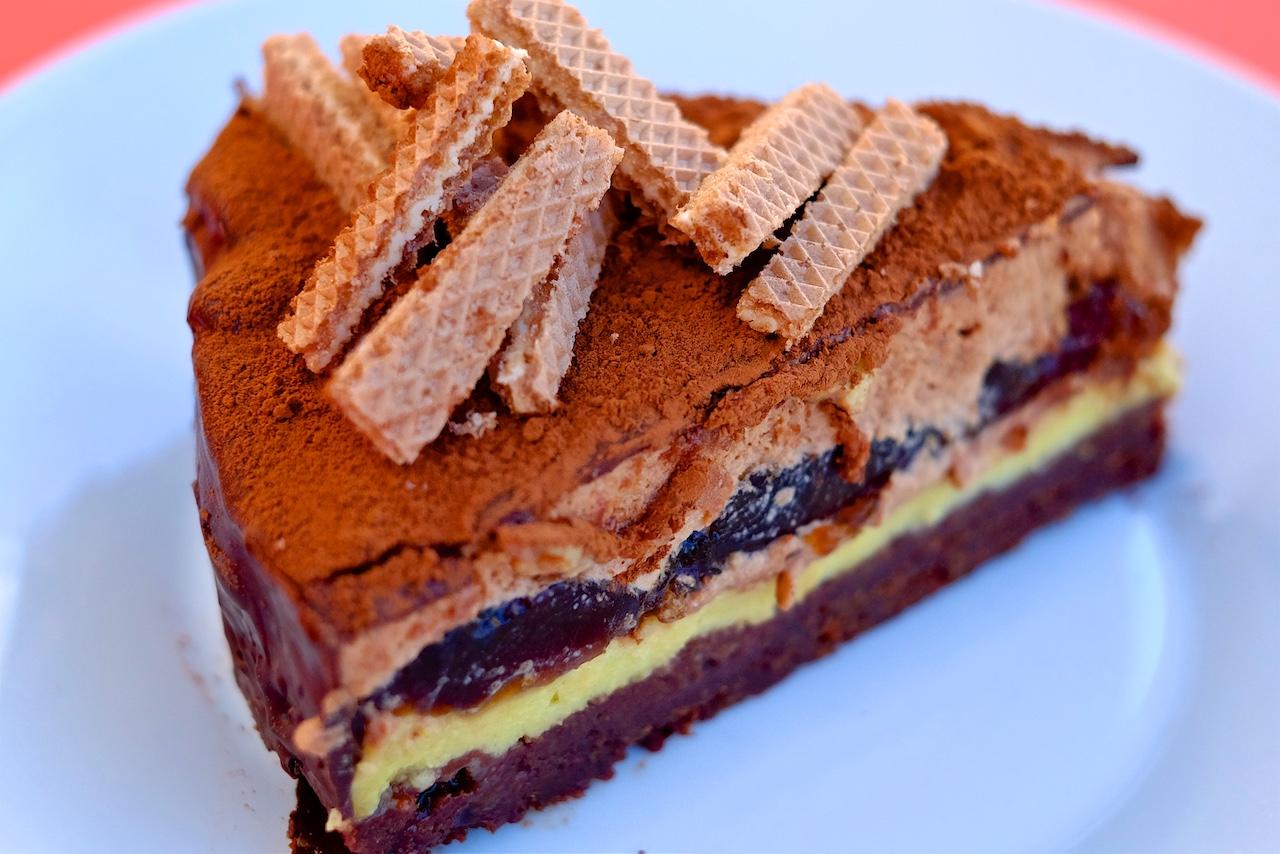 Pet plastna Loacker čokoladna torta
