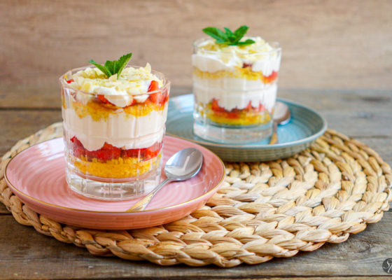Torta jagodna v kozarcu-1